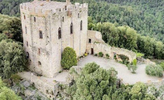 11th century castle for sale nr Siena
