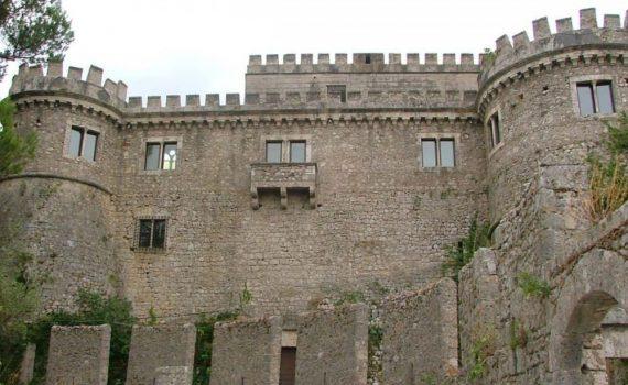 Abruzzo Large Medieval Castle for sale
