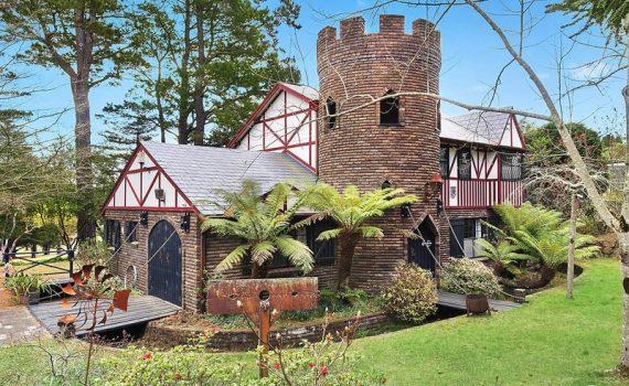 Australia Castle for sale - Blaxland Road, Wentworth Falls, NSW Mcgrath