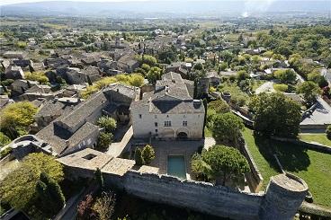 Cabrieres D'Avignon Chateau for sale
