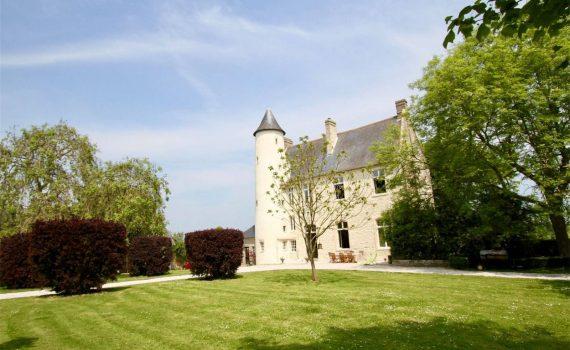 Calvados XVI century castle for sale