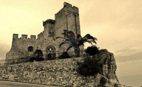 Il Castello Federiciano Italy for sale