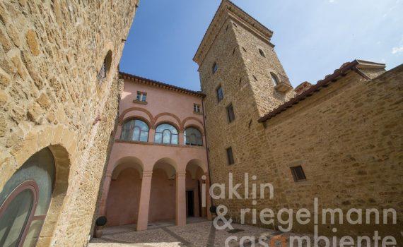 Lake Trasimeno Castle Apartment for sale