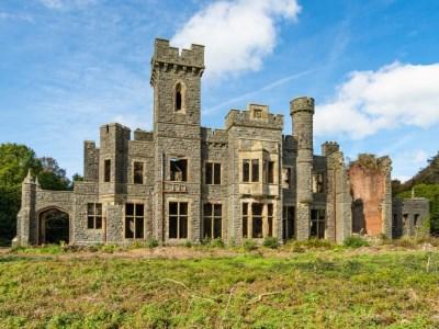 Llanystumdwy North Wales castle for sale