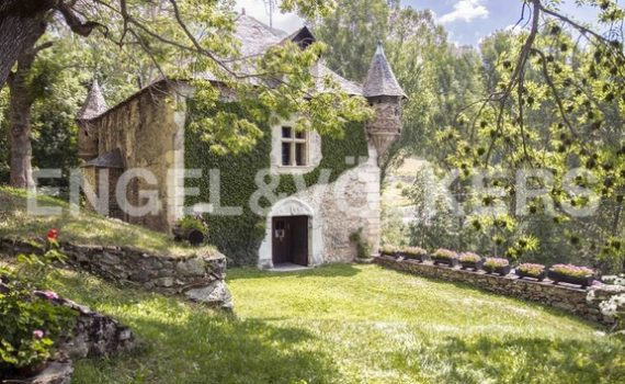 Lleida Spain Brastet Castle for sale