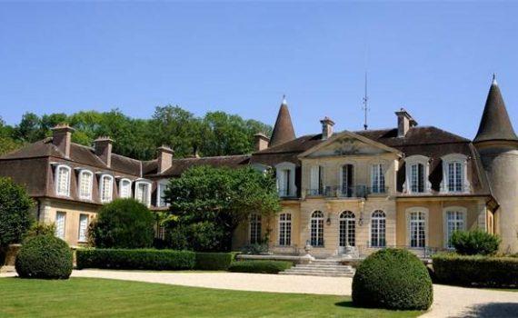 Opulent Fontainebleu Chateau for sale