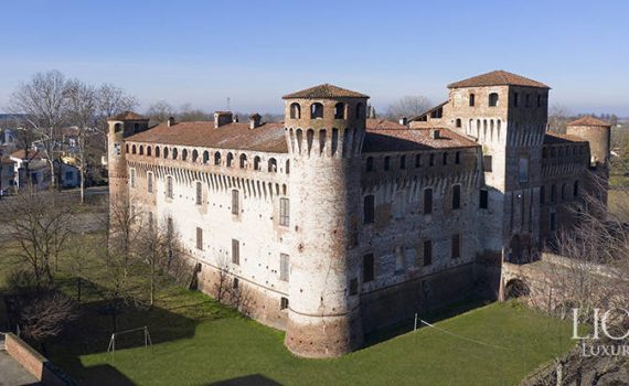 Piacenza Italy XV century castle for sale