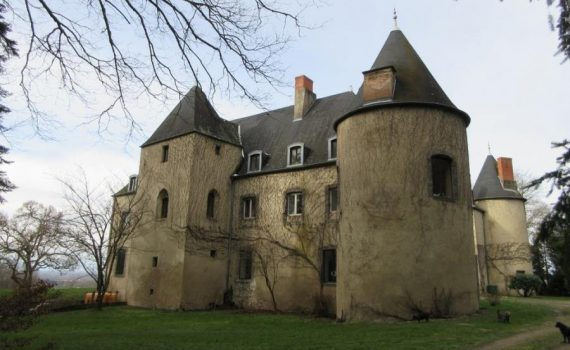 Puy-Guillaume France 16th Century Castle for sale