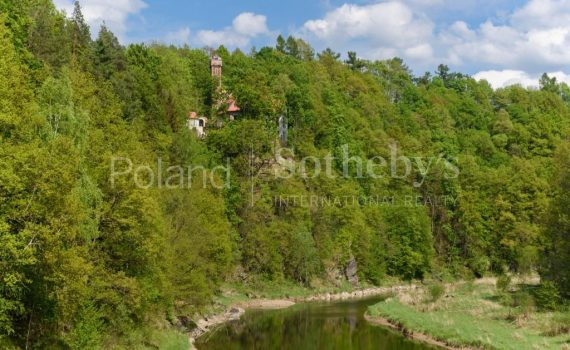 Rajsko Castle Poland for sale
