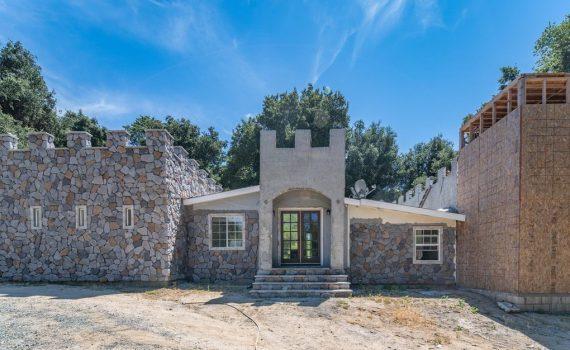 Santa Clarita Castle for sale 39088 San Francisquito Canyon Rd