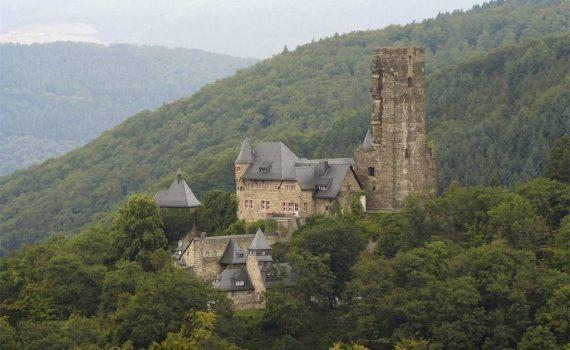 Schloss Sauerberg for sale Upper Rhine Valley