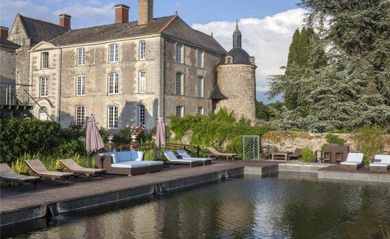 St Georges Sur Loire Chateau for sale