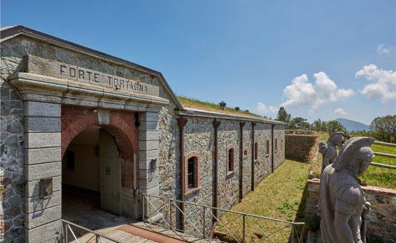 Tortagna Fort for sale Liguria