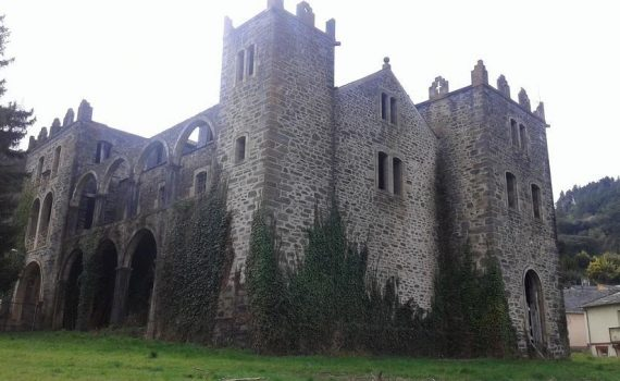 Valdeorras Galicia Castle for sale