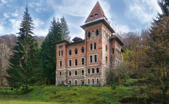 Zlatna Romania Castle for sale