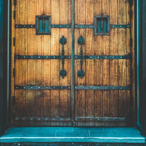 castleist - castles for sale castle door