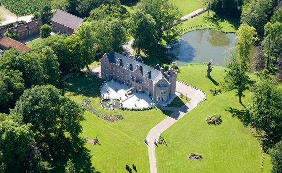 kasteel vroenhoven belgium castle for sale