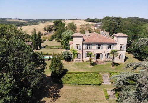 17th century tuscan style chateau nr toulouse for sale