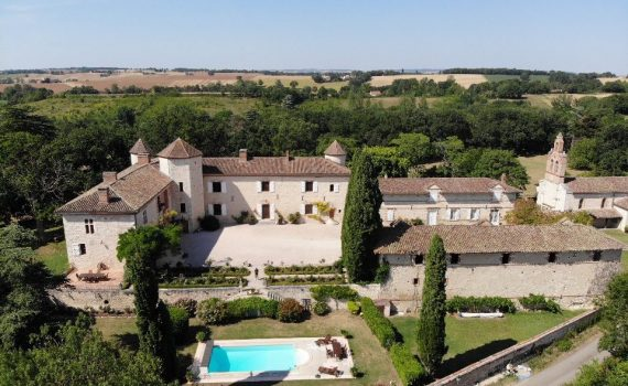 15th and 18th century luxury Gascon Chateau France for sale 1