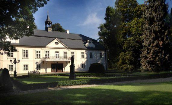 Chateau Jablonna for sale Czech Republic 1