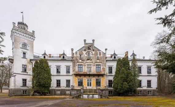 Zamek Jistebnice Castle for sale Czech Republic 1 thumb
