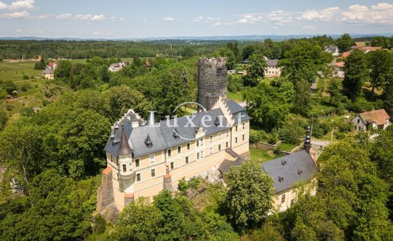 zamek-stary-hroznatov Castle for sale Czech Republic 1